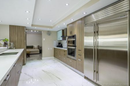 10205 Collins Ave #1004- RENOVATED photo08