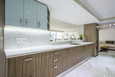10205 Collins Ave #1004- RENOVATED photo09