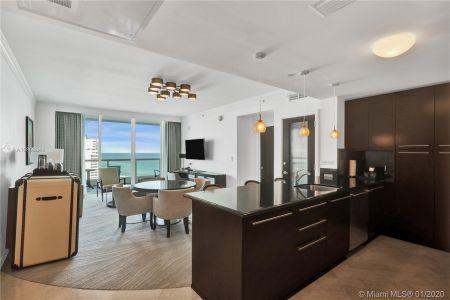 Fontainebleau Sorrento #1607 - 4391 Collins Ave #1607, Miami Beach, FL 33140