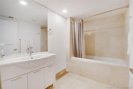 475 Brickell Ave #4810 photo06