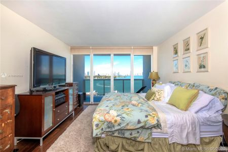 1800 Sunset Harbour Dr #1210 photo07