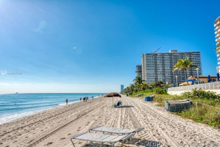The Hemispheres Four #18E - 1985 S OCEAN DR #18E, Hallandale Beach, FL 33009