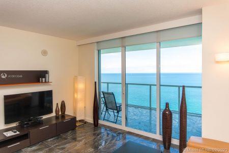La Perla #4103 - 16699 Collins Ave #4103, Sunny Isles Beach, FL 33160