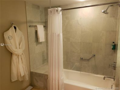 18683 Collins Ave #1706 photo011