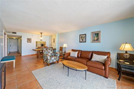 2625 Collins Ave #909 photo010