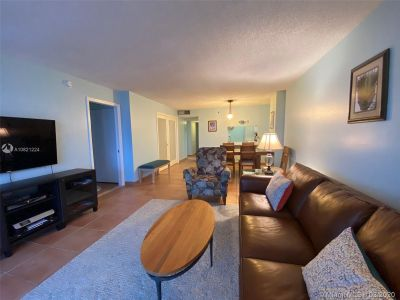 2625 Collins Ave #909 photo011