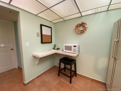 2625 Collins Ave #909 photo019