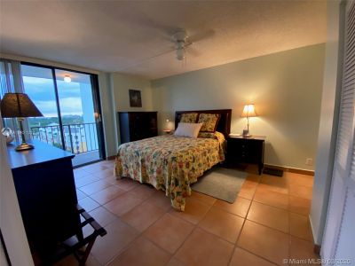 2625 Collins Ave #909 photo021