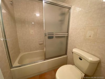2625 Collins Ave #909 photo023