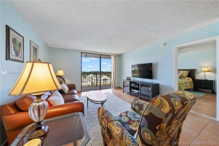 2625 Collins Ave #909 photo04