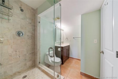 2625 Collins Ave #909 photo08