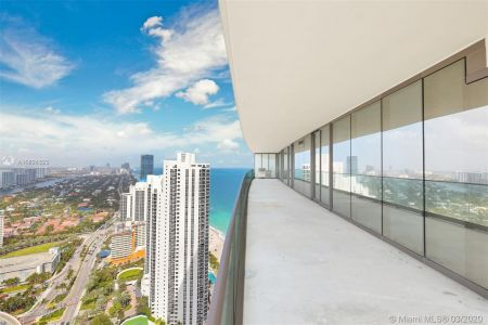 18975 Collins Ave #3605 photo018