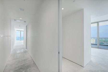 18975 Collins Ave #3605 photo036
