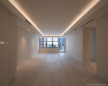 5700 Collins Ave #7A photo014