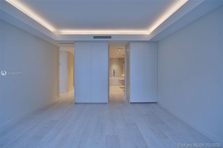5700 Collins Ave #7A photo018