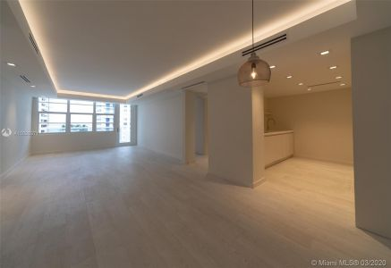 5700 Collins Ave #7A photo020