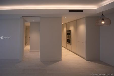 5700 Collins Ave #7A photo022