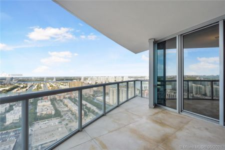 17121 Collins Ave #3905/3904 photo048